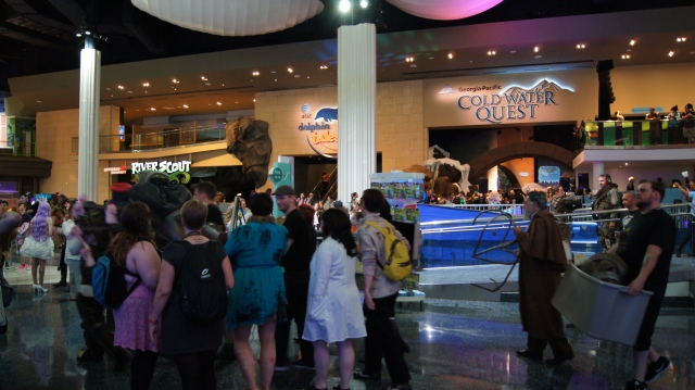 DragonCon night at the GA Aquarium. One of the many outside events taking place during the weekend.